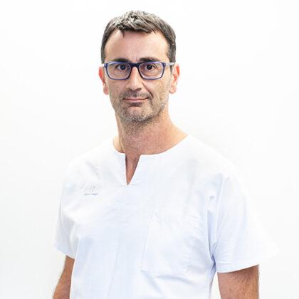Doctor-Raúl-Manuel-Vicho-Pereira-Clínica-Rotger-Grupo-Quirónsalud
