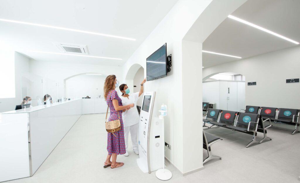 Nuevo Laboratorio de Análisis Clínicos junto a la Clínica Rotger.